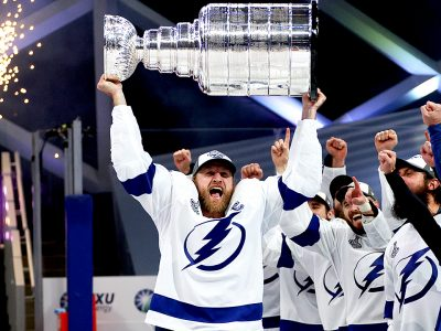EDMONTON, ALBERTA - SEPTEMBER 28: Steven Stamkos #91 of the Tampa Bay Lightning hoists the Stanley Cup overhead after the  Tampa Bay Lightning defeated the Dallas Stars 2-0 in Game Six of the NHL Stanley Cup Final to win the best of seven game series 4-2 at Rogers Place on September 28, 2020 in Edmonton, Alberta, Canada. (Photo by Dave Sandford/NHLI via Getty Images)